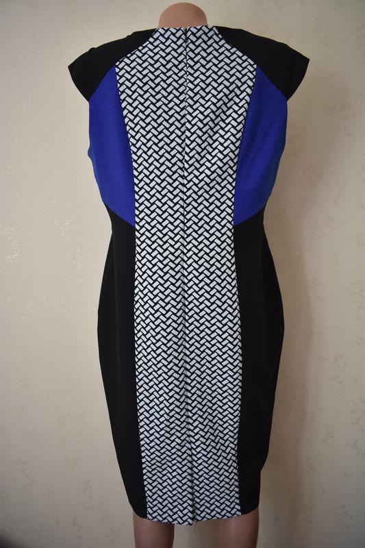 Элегантное платье-футляр с принтом f&f - Фото 3