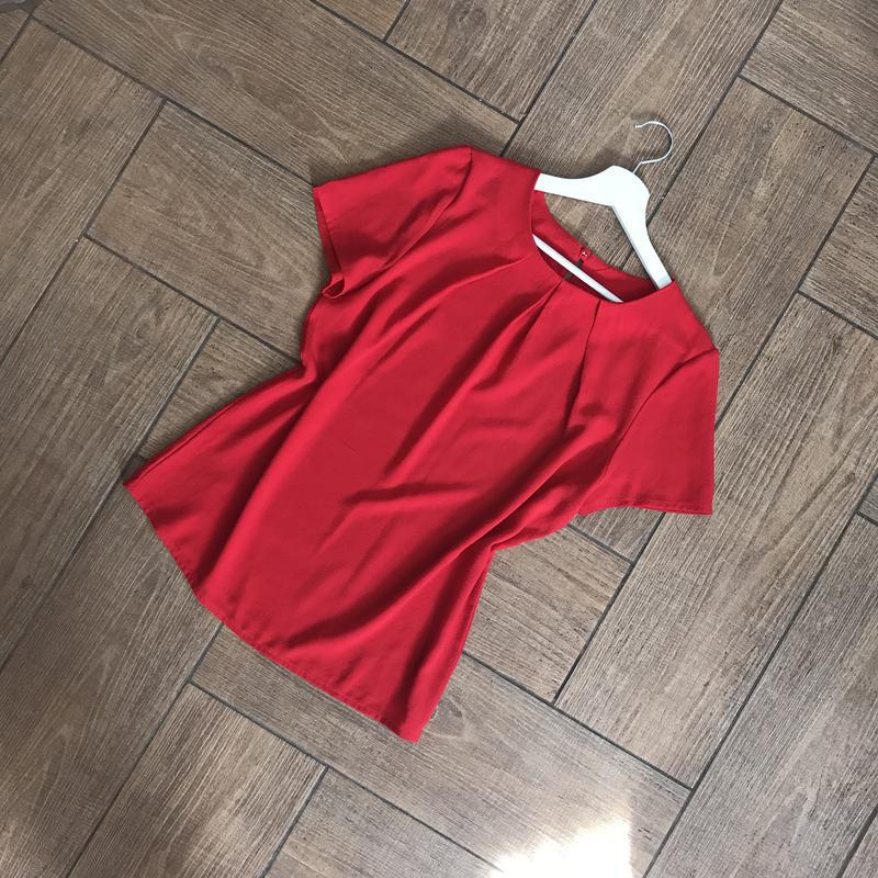 Блуза красного цвета