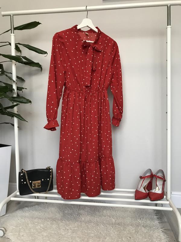 Очень крутое красное платье