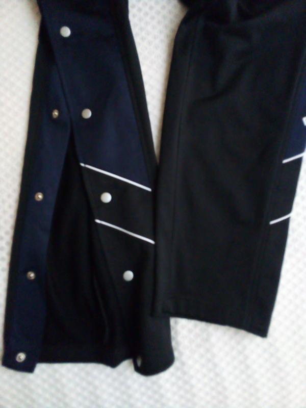 Спортивные штаны унисекс на кнопках сбоку. - Фото 4