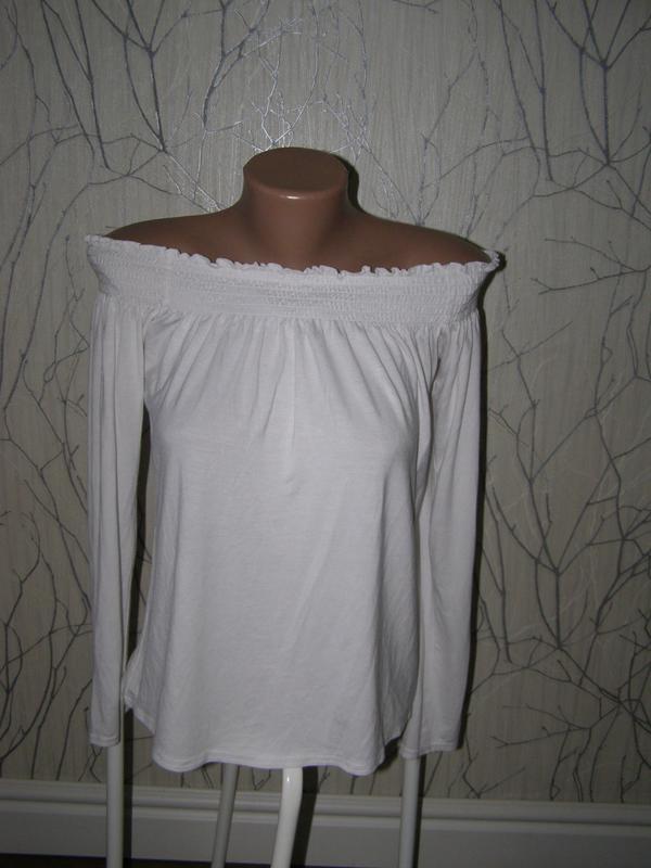 Актуальная блуза открытые плечи от boohoo 38-размер