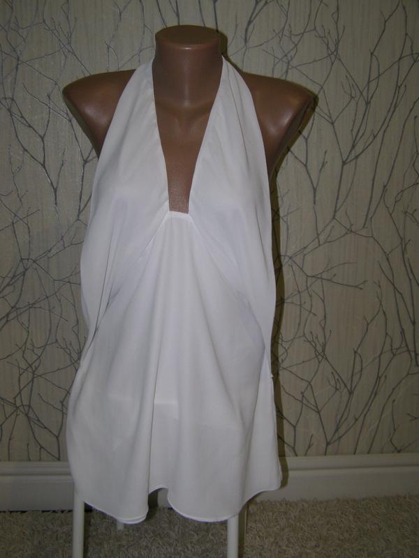 Блуза с глубоким декольте от zara s-размер