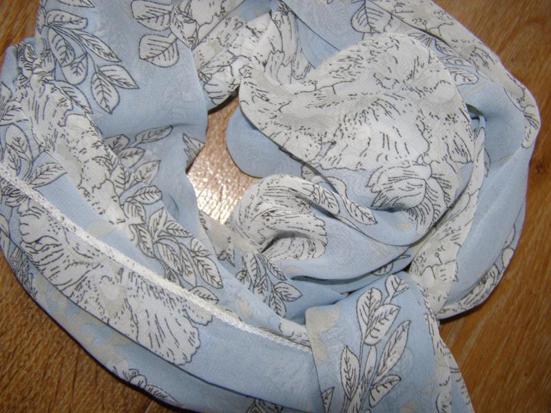 Красивый шифоновый шарф