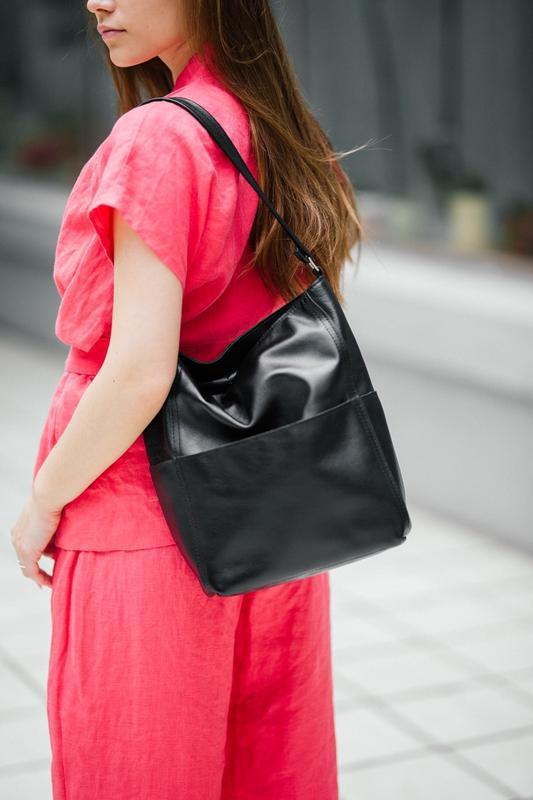 Стильный черный шоппер из кожи, вместительная кожаная сумка - Фото 4