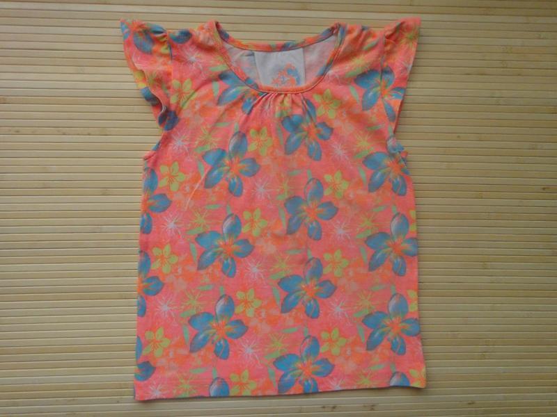 Яркая футболка young dimension в цветы 4-5 лет, 110 см