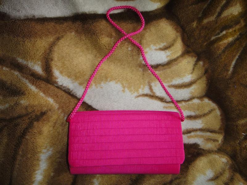 Розовый клатч m&s