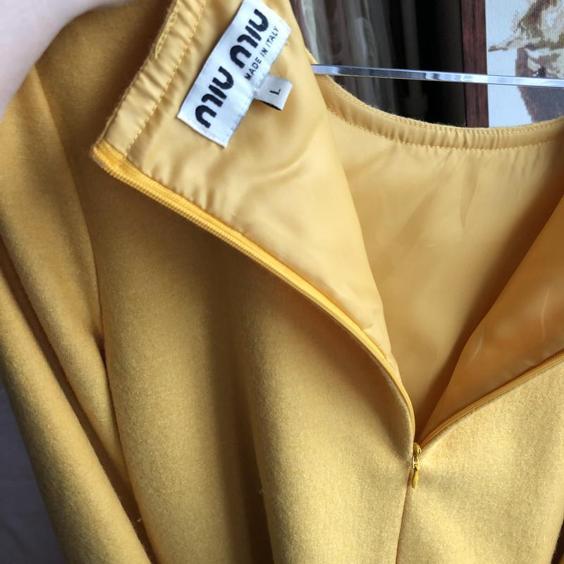 Платье miu miu оригинал желтое м - Фото 5