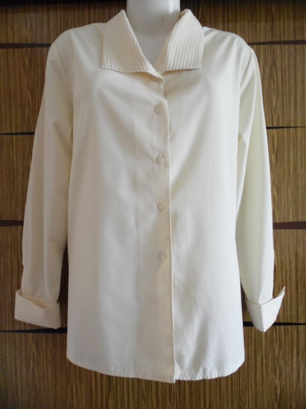 Блуза новая avitano р-р 52-54.