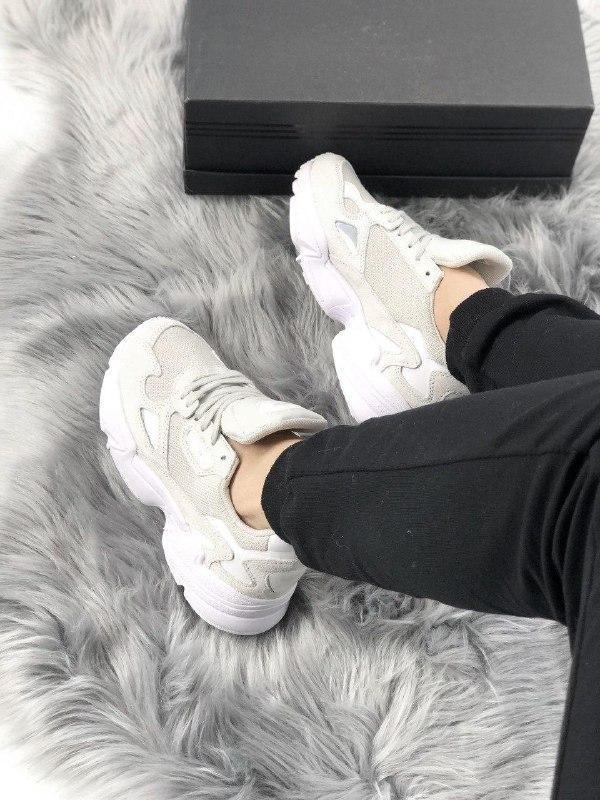 Женские кроссовки adidas falcon full white