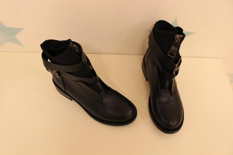 Демисезонные ботильоны, ботинки 40 размера на низком ходу