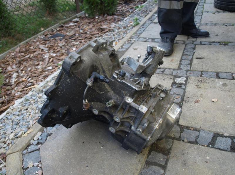 Б/у Коробка передач КПП Suzuki Swift 1.3