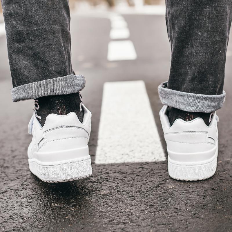 Кроссовки мужские  adidas forum all white - Фото 4