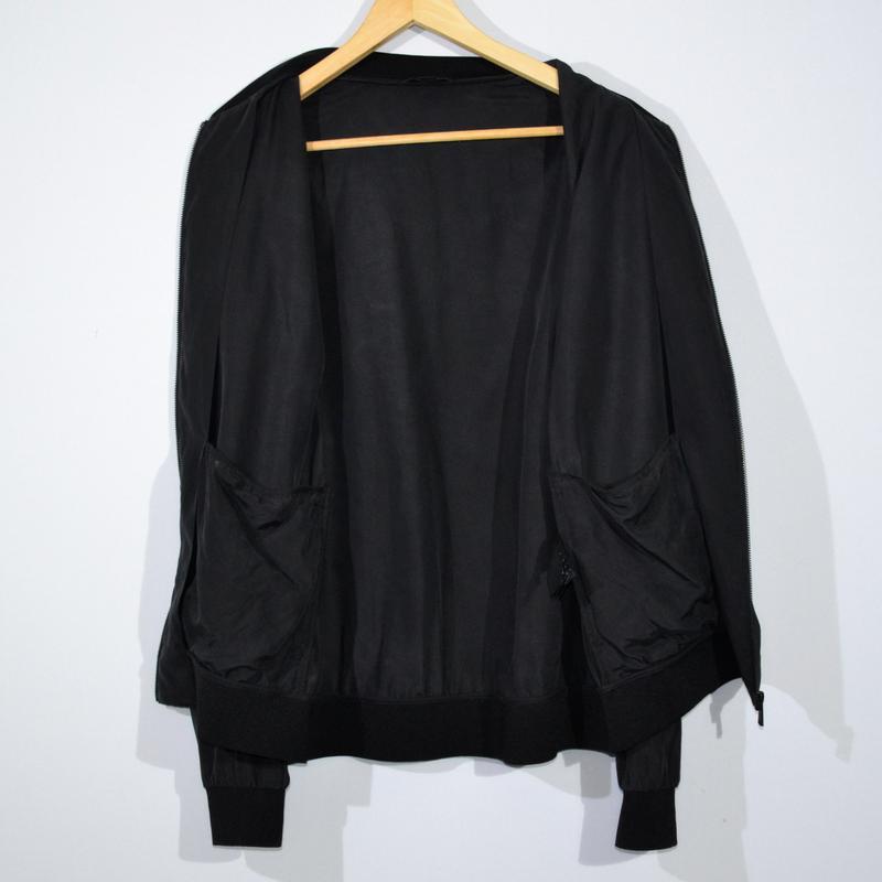 Куртка бомбер cos silk bomber - Фото 3