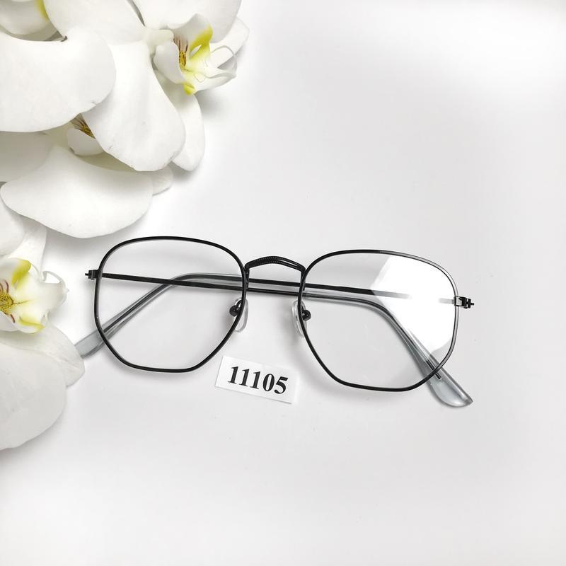 Имиджевые очки в черной оправе к.11105
