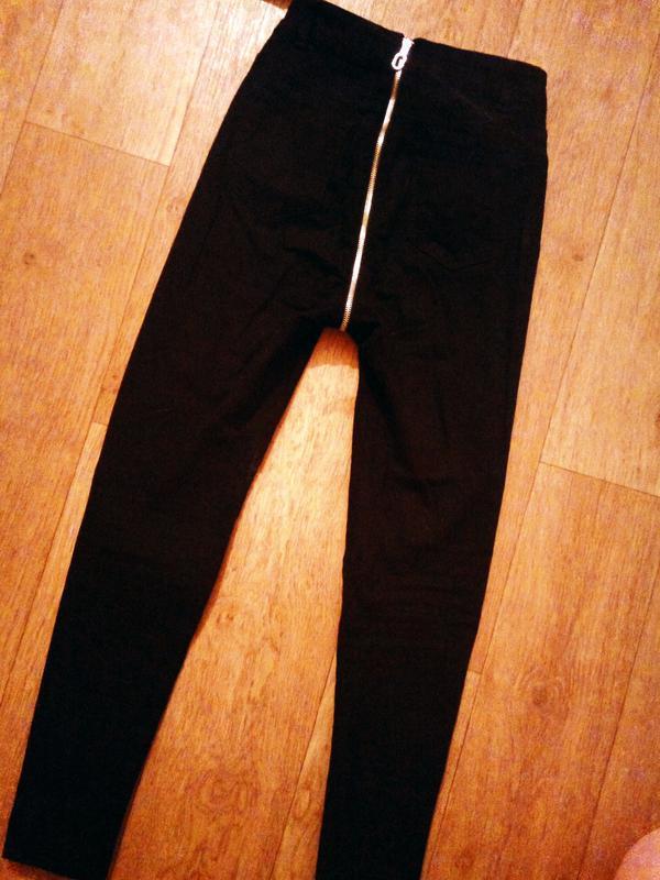 Хит сезона джинсы с замком на попе🍑 s/m - Фото 2
