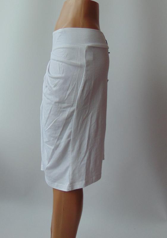 Белая трикотажная юбка miss jcl с сток - Фото 2