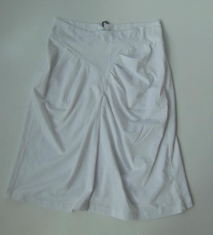 Белая трикотажная юбка miss jcl с сток - Фото 4