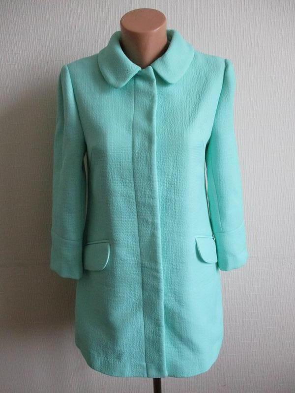 Нежный мятный удлиненный жакет-пальто definitions