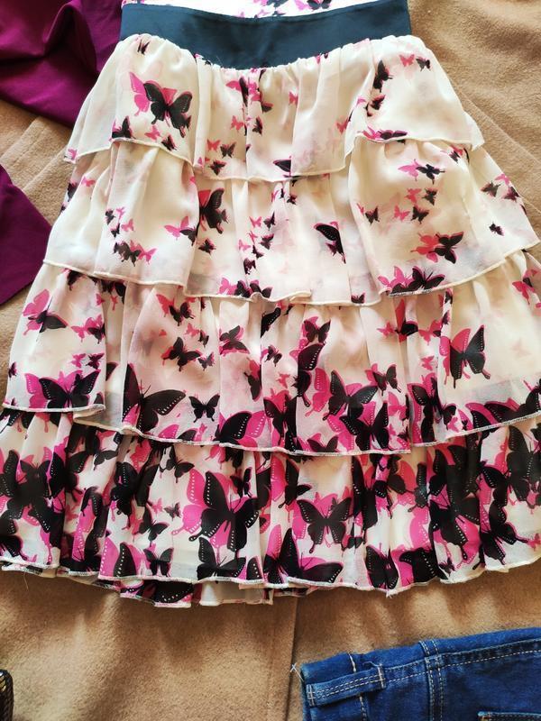 Next платье белое светлое бежевое приталенное с бабочками с во... - Фото 2