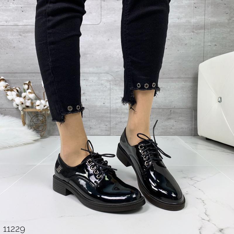 Лаковые туфли броги на низком каблуке,чёрные лакированные туфл... - Фото 2