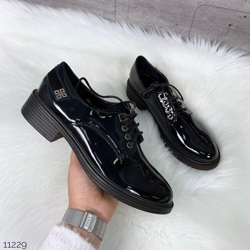 Лаковые туфли броги на низком каблуке,чёрные лакированные туфл... - Фото 5