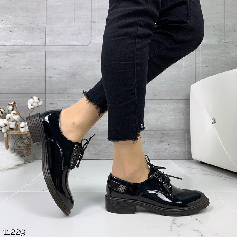 Лаковые туфли броги на низком каблуке,чёрные лакированные туфл... - Фото 6