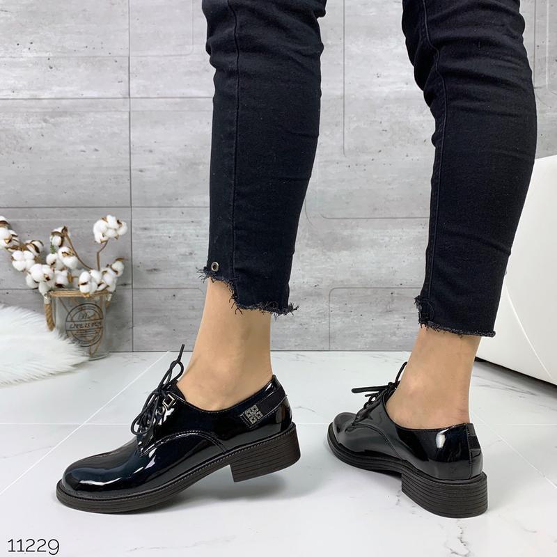 Лаковые туфли броги на низком каблуке,чёрные лакированные туфл... - Фото 8
