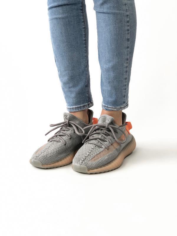Женские кроссовки adidas yeezy true form