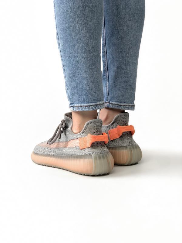 Женские кроссовки adidas yeezy true form - Фото 4