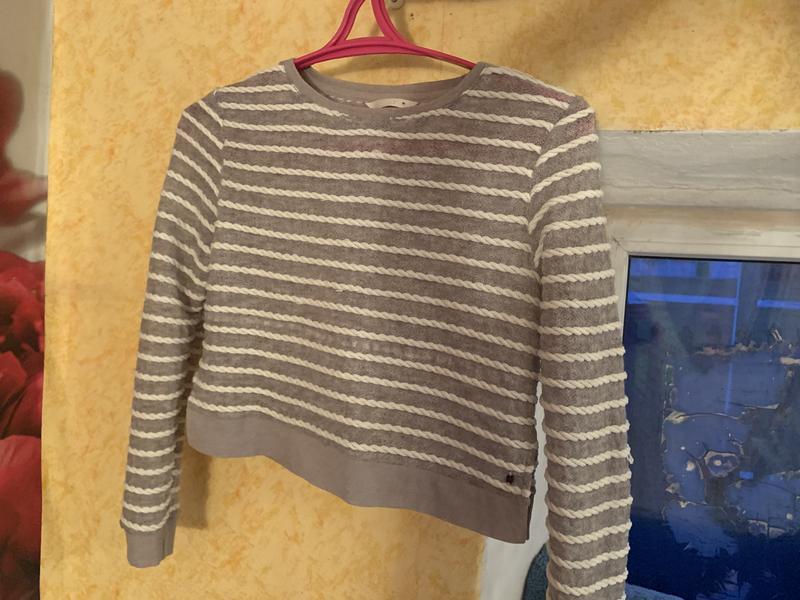 Вязаная кофта, свитер