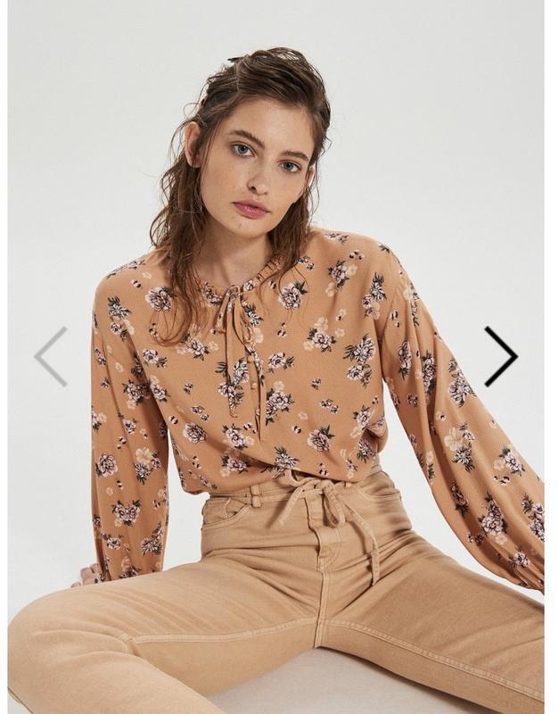 Блузка з v-подібним викотом, рубашка
