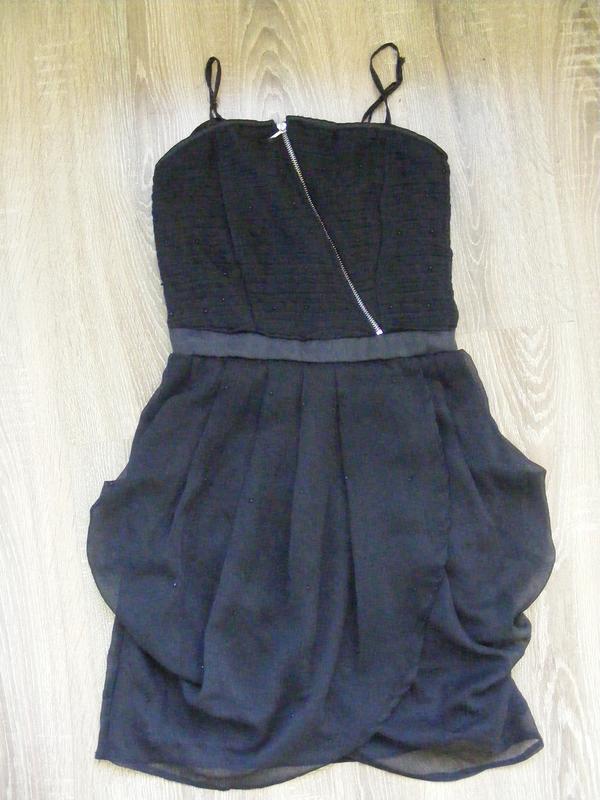 Маленькое черное платье для девочки-подростка