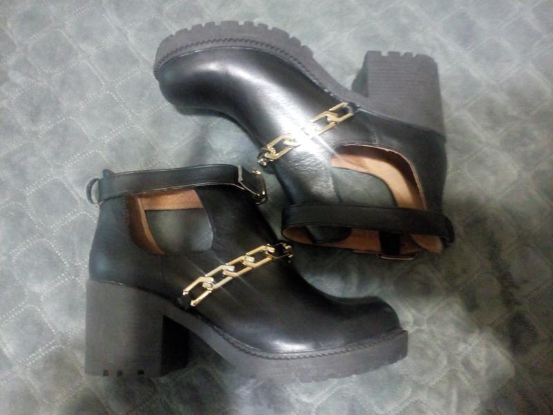 Кожаные,новые ботиночки, туфли