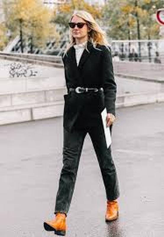 Hugo boss джинсы  брендовые с металлическим декором на карманах