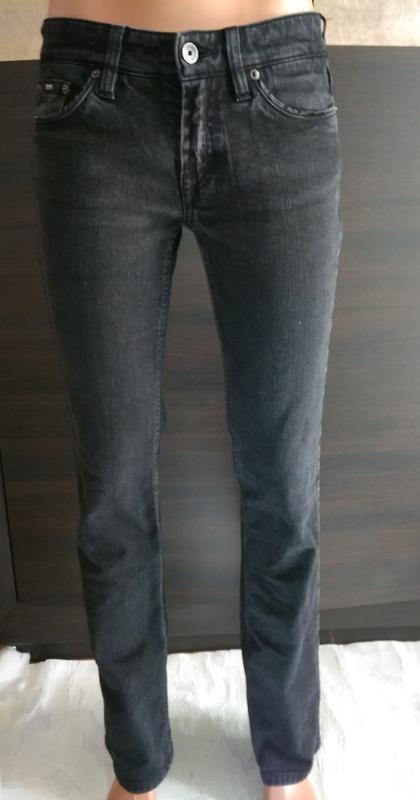 Hugo boss джинсы  брендовые с металлическим декором на карманах - Фото 4
