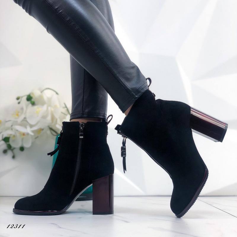 Ботильоны женские замшевые на каблуке черные - Фото 3
