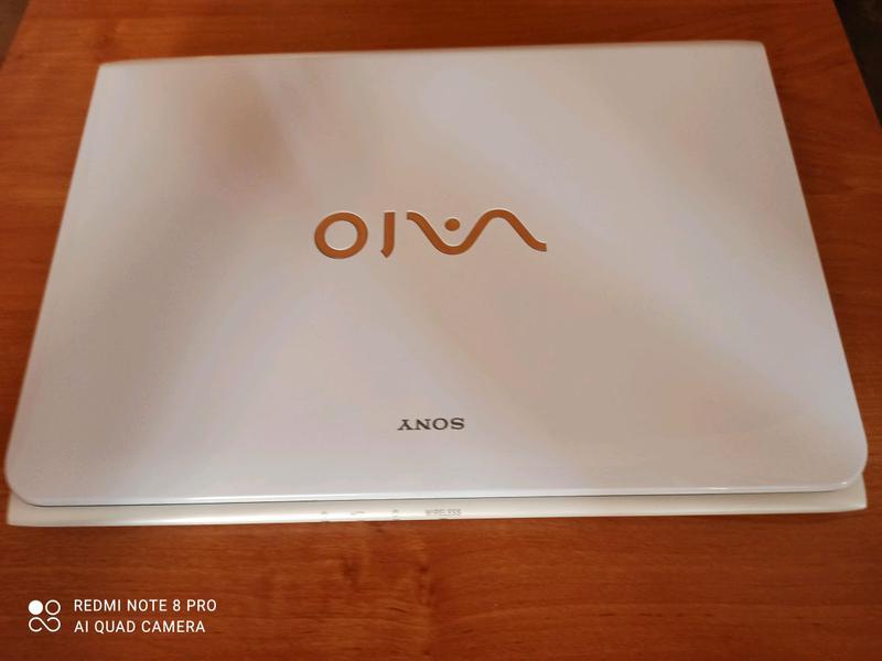 Ноутбук Sony Vaio SVE111B11V
