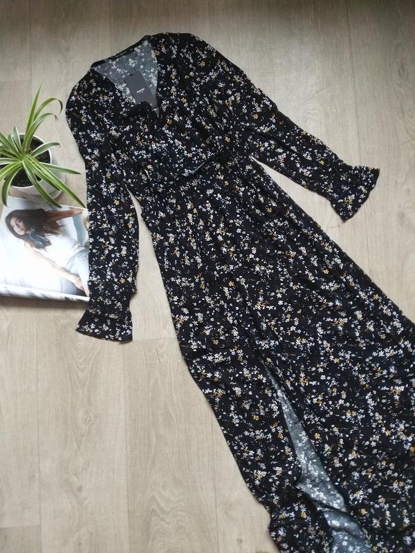 Актуальное платье макси в цветочный принт - Фото 9