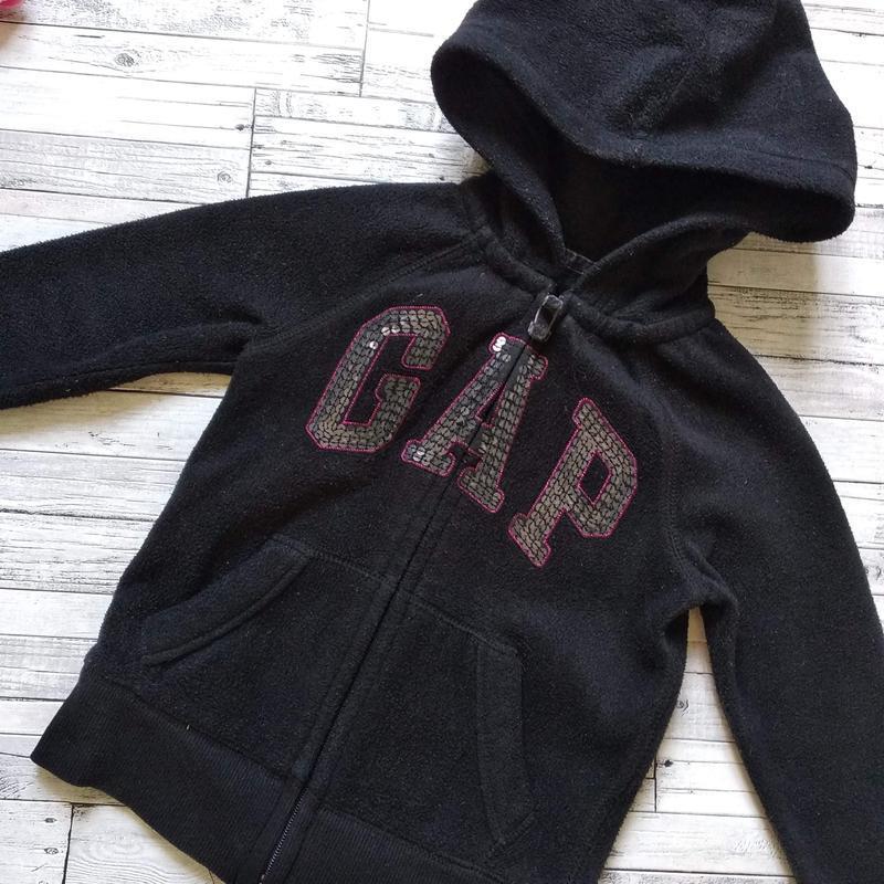 Теплая кофта gap kids на девочку с капюшоном черная - Фото 2