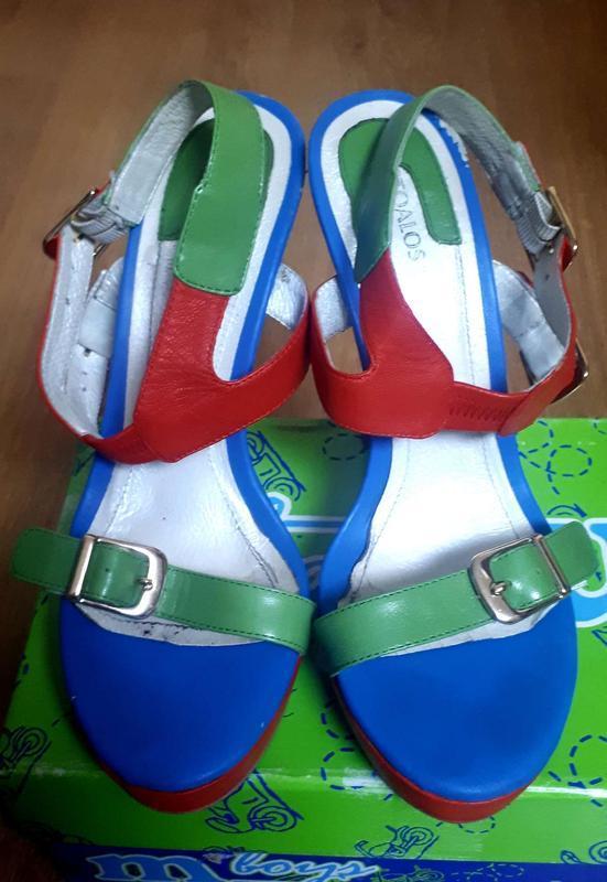 Босоножки на высоком каблуке - Фото 2