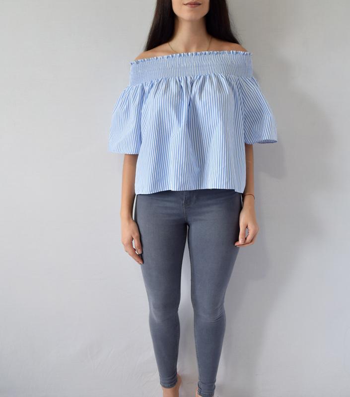 Блуза с открытыми плечами (новая, с биркой)