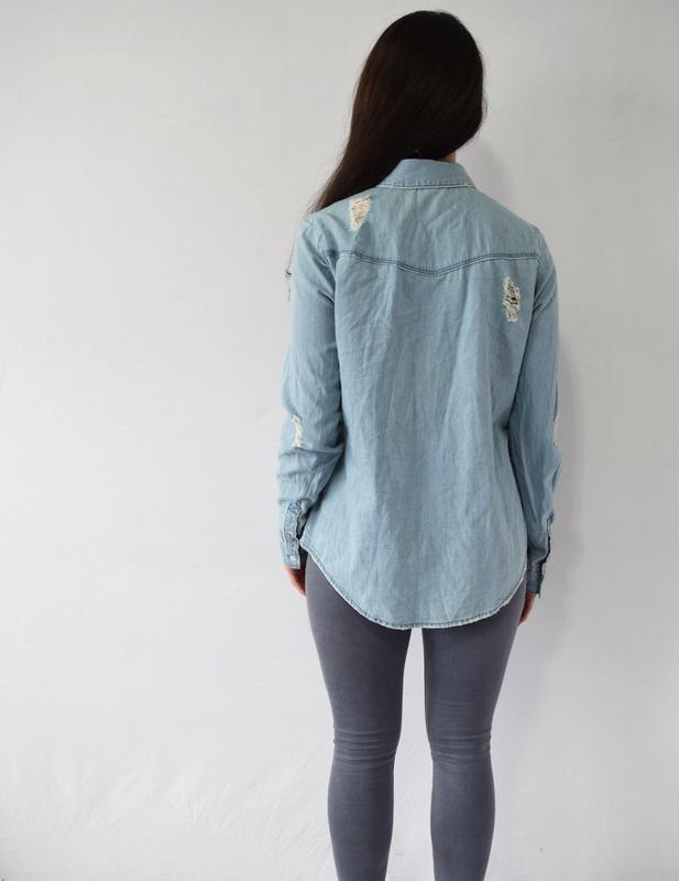 Джинсовая рубашка h&m - Фото 3
