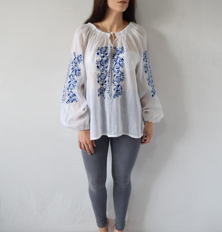 Блузка с вышивкой - Фото 2