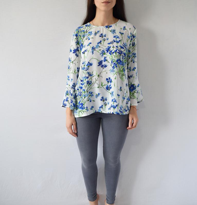 Блузка в цветы warehouse