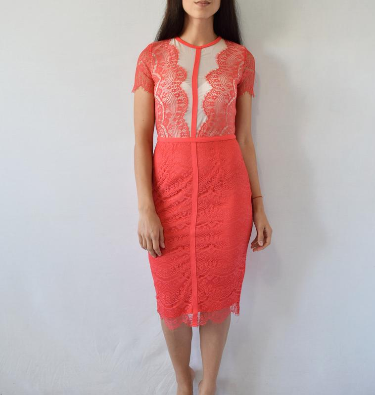 Платье с кружевом missguided