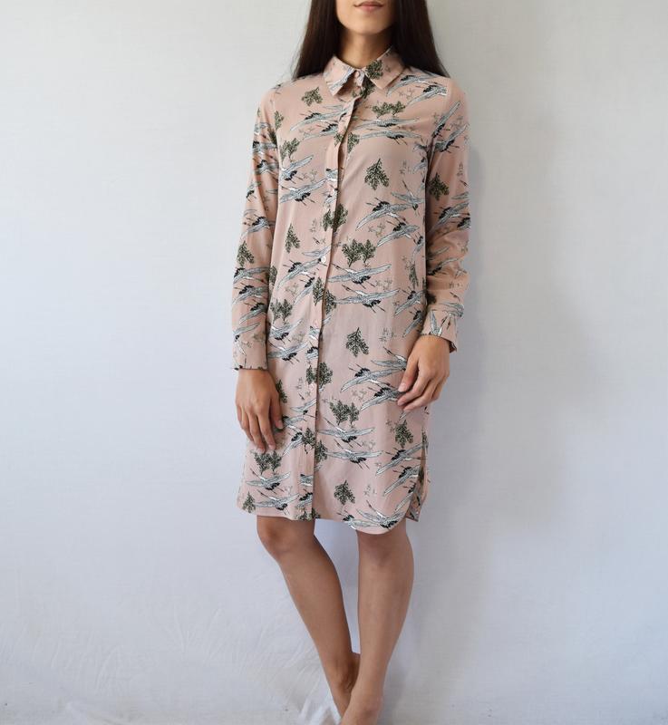 Платье-рубашка с аистами atm - Фото 3