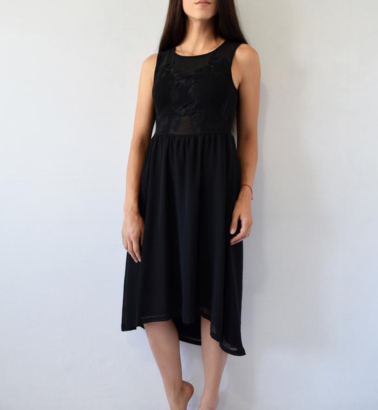Платье с вышивкой h&m - Фото 2
