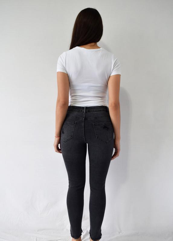 Джинсы new look с рванастями - Фото 4