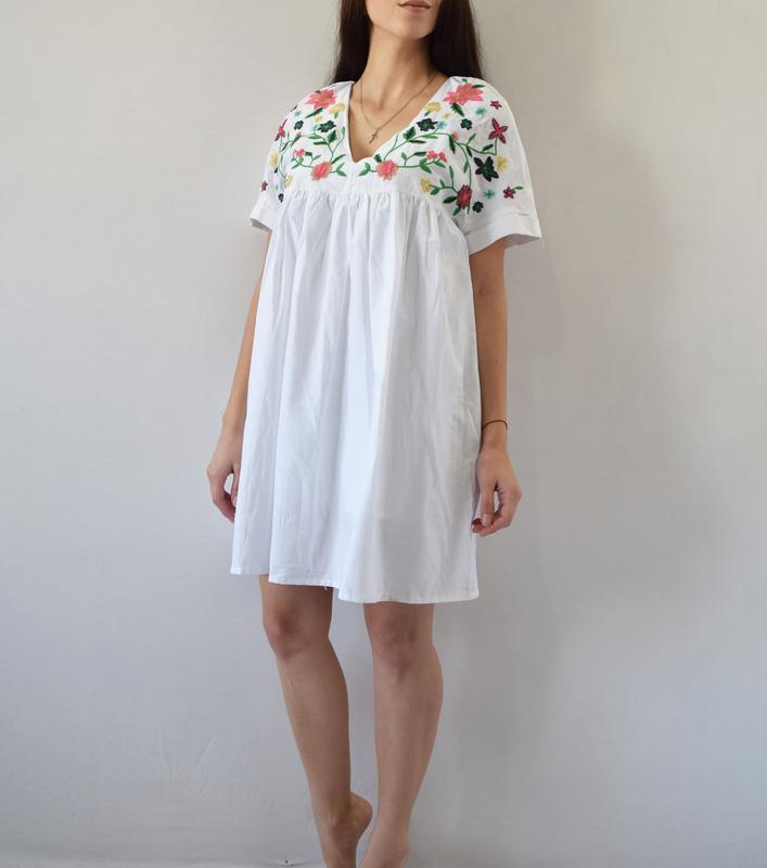 Платье с вышивкой - Фото 2