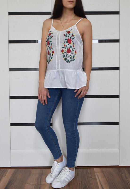 Блуза с вышивкой f&f - Фото 2